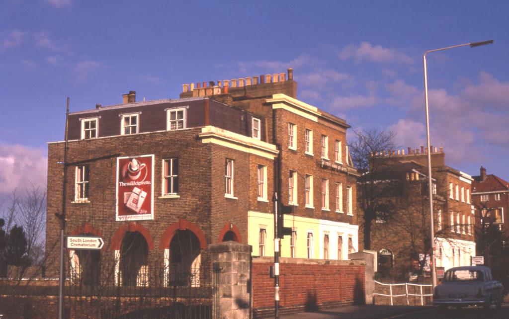 478-484 London Road, Mitcham, Surrey CR4. Mitcham Labour Party HQ & Romany Club de Danse.