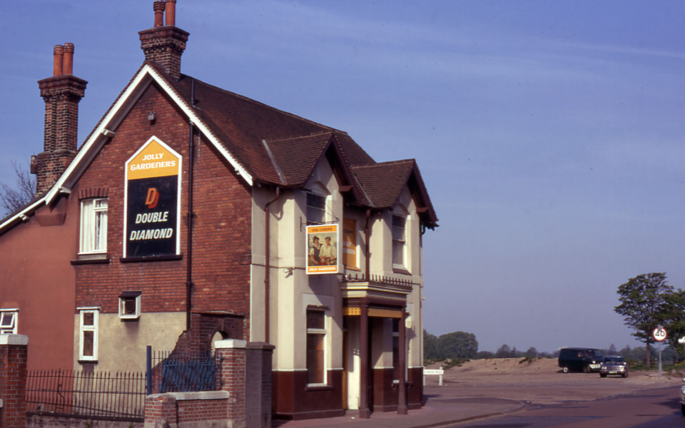 The Jolly Gardeners, Croydon Road, Mitcham Common, Mitcham, Surrey CR4. The Red House. Demolished 2004.
