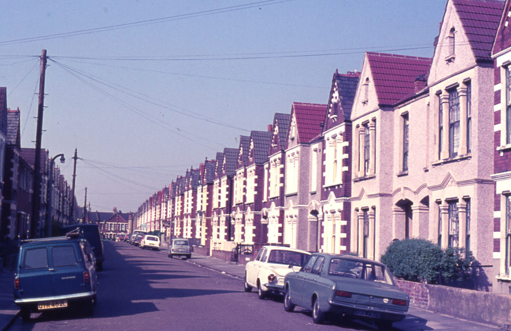 Tynemouth Road, Mitcham, Surrey CR4. Grid development of terrace housing halted by outbreak of war in 1914.