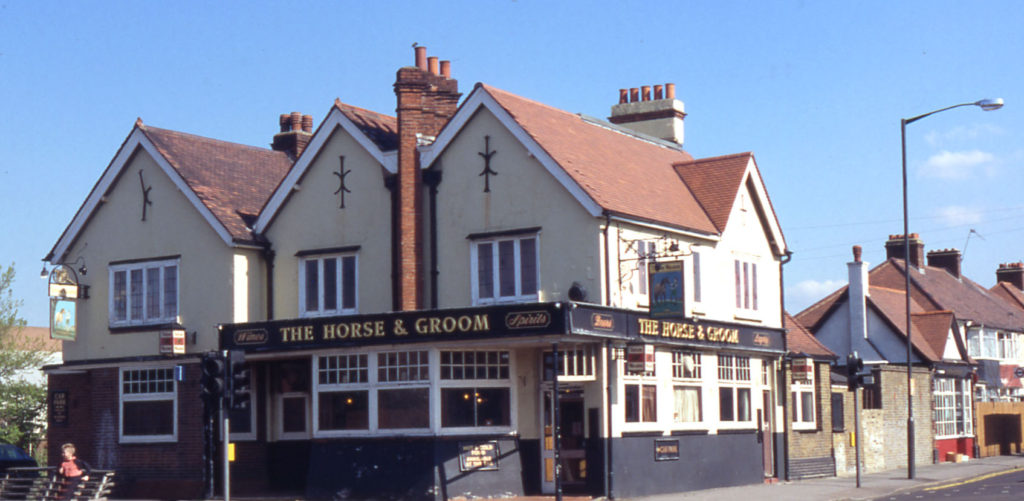 The Horse and Groom public House, Manor Road, Mitcham, Surrey CR4. Early 20th century. Demolished 1998 and site redeveloped as a Medical Centre.