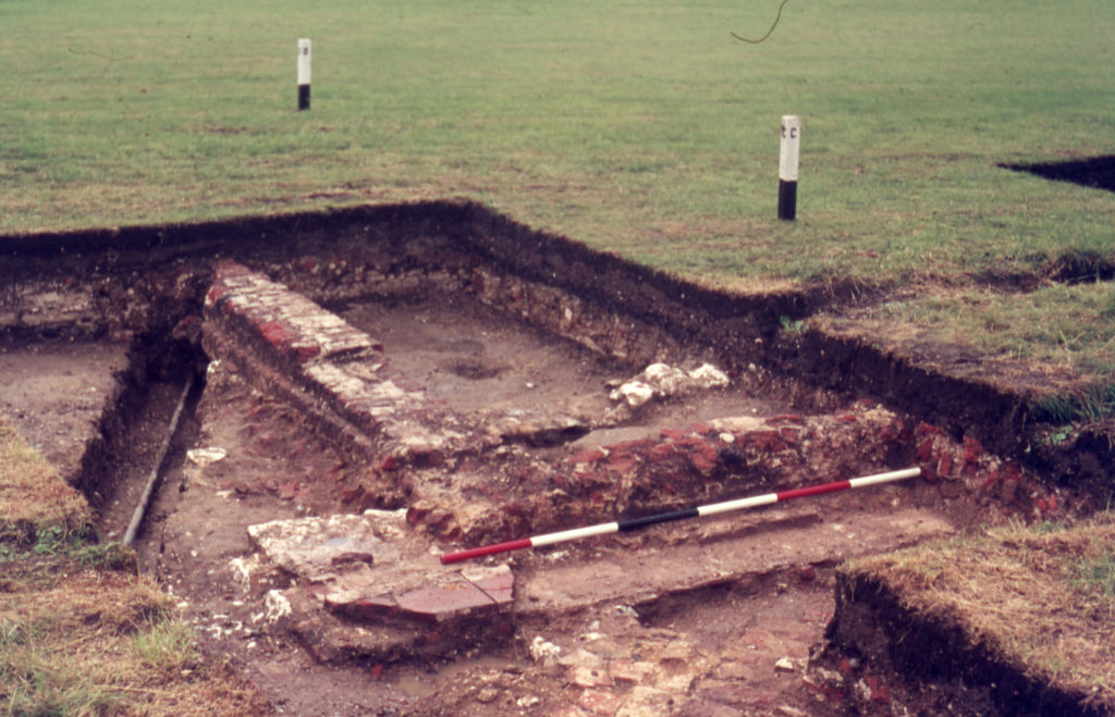 Excavations at site of Mitcham Grove, off Bishopsford Road, Mitcham, Surrey CR4. From SE: Entrance Portico Parent.