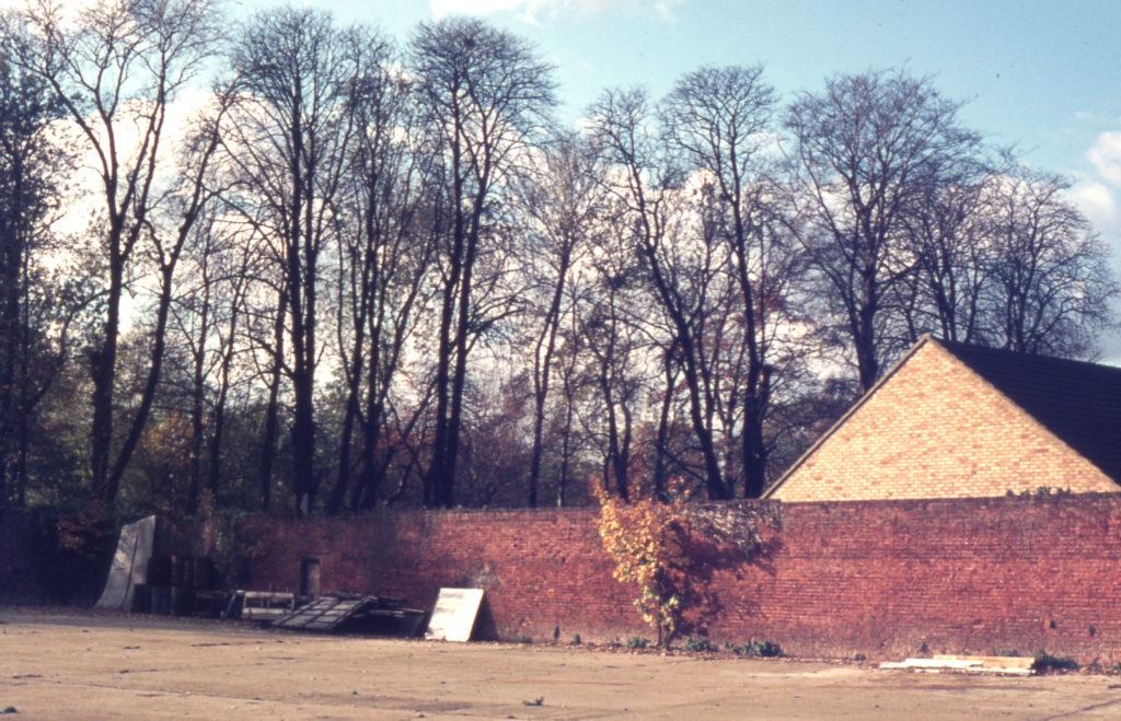 Hovis Sports Ground, Bishopsford Road, Mitcham, Surrey CR4. Garden wall. site of Mitcham Grove.
