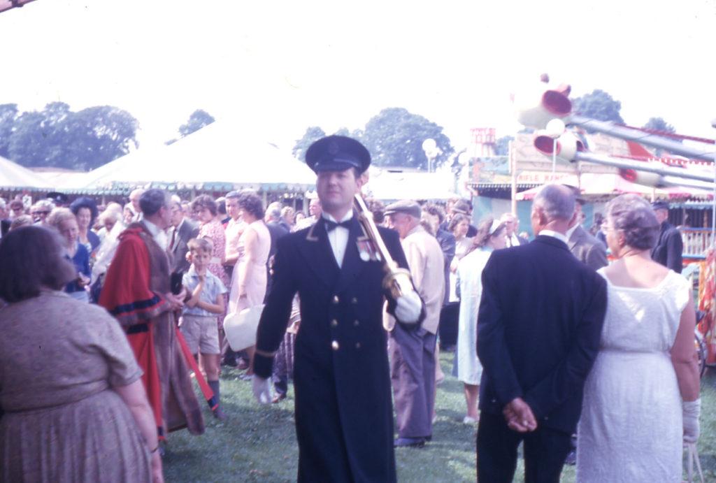 Mitcham Fair, Three Kings Piece, Mitcham, Surrey CR4. The opening of the Fair.