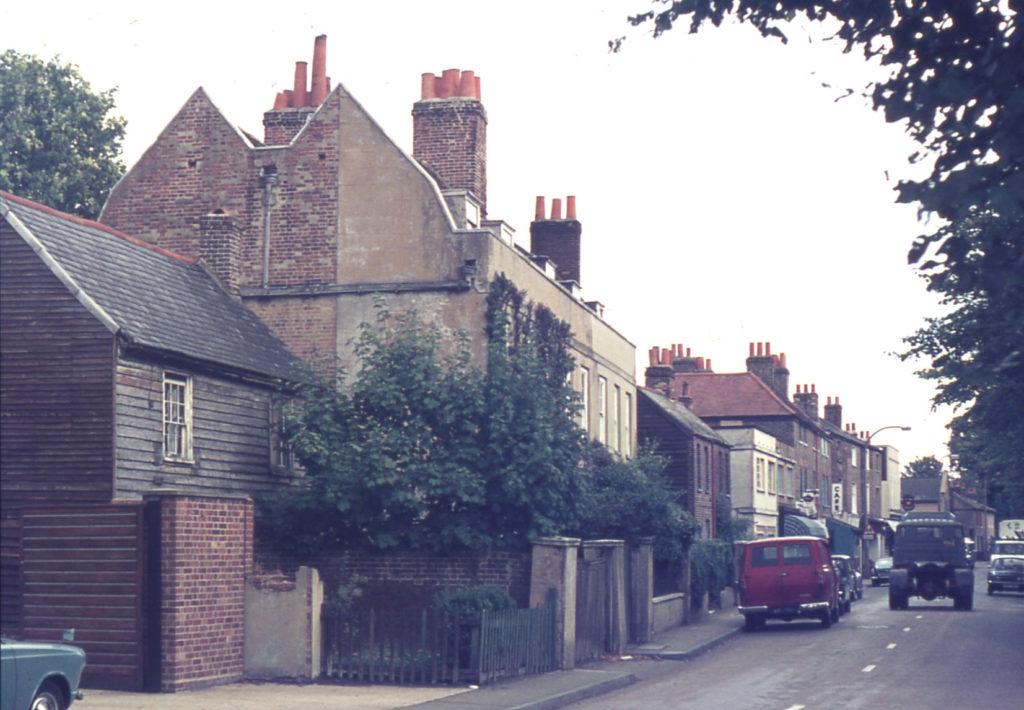 66-62 Church Road, Mitcham, Surrey CR4.