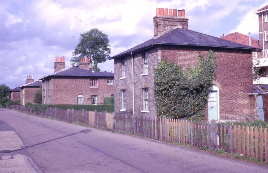 104/6 Love Lane, Mitcham, Surrey CR4.