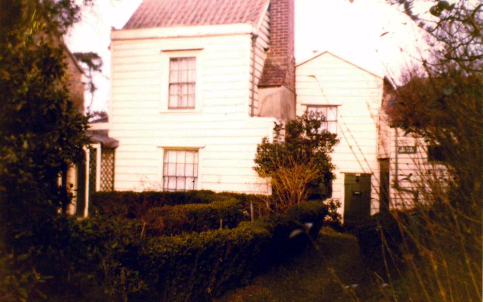 mhs-ra-231 Grove Cottage Commonside East Mitcham c1975 (demolished)